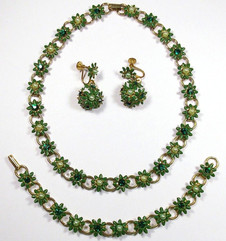 Vintage Green Enamel Rhinestone Flower Necklace Bracelet Earring Set