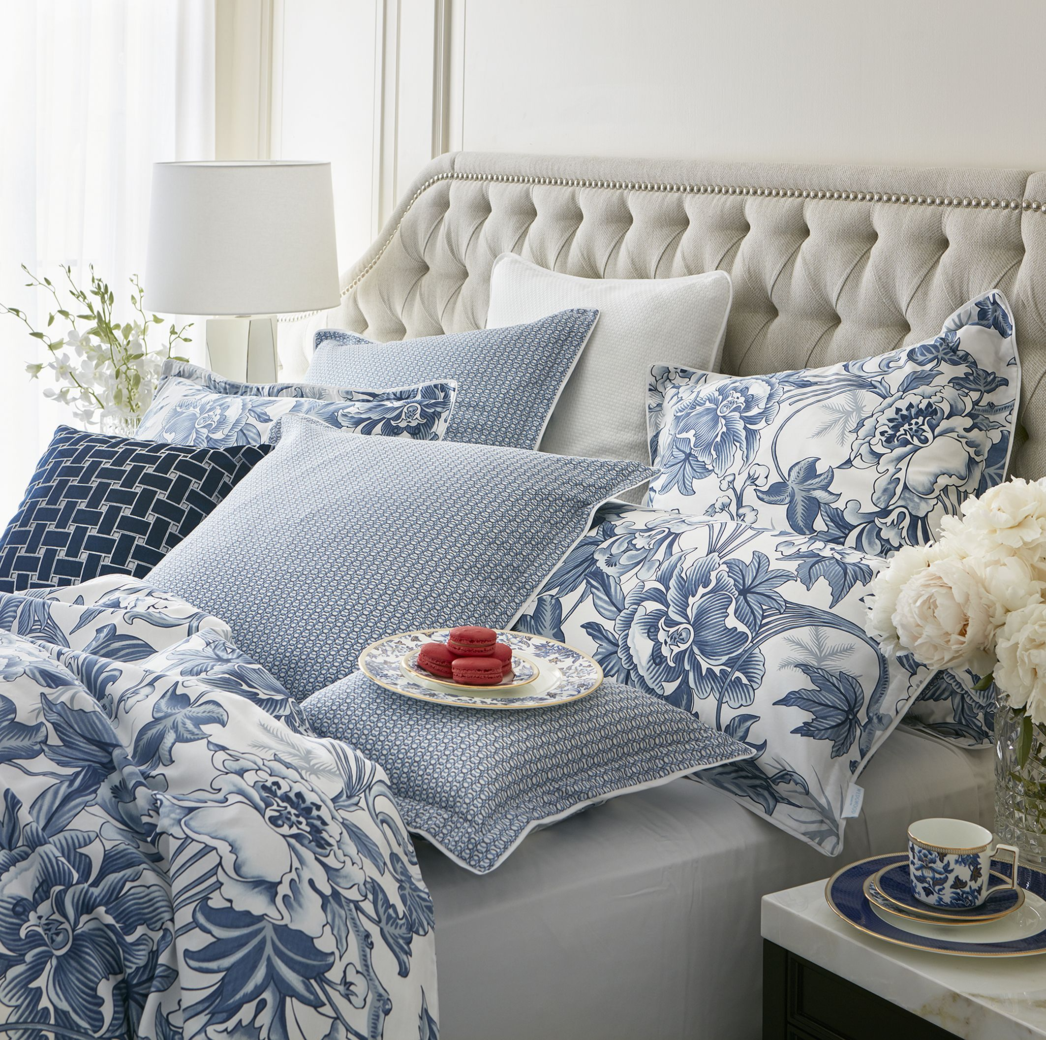 Inspired by a wedgwood archive pattern dating back to 1810 hibiscus bed linen izmirmasajfo Images