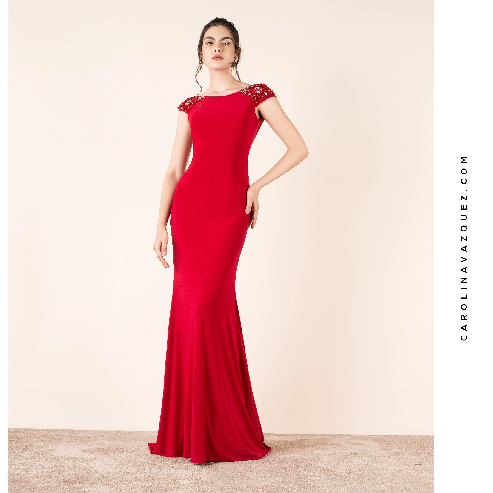 282393350 Elegante vestido con escote en espalda enmarcado con una exquisita  aplicación de pedrería.  vestidodefiesta