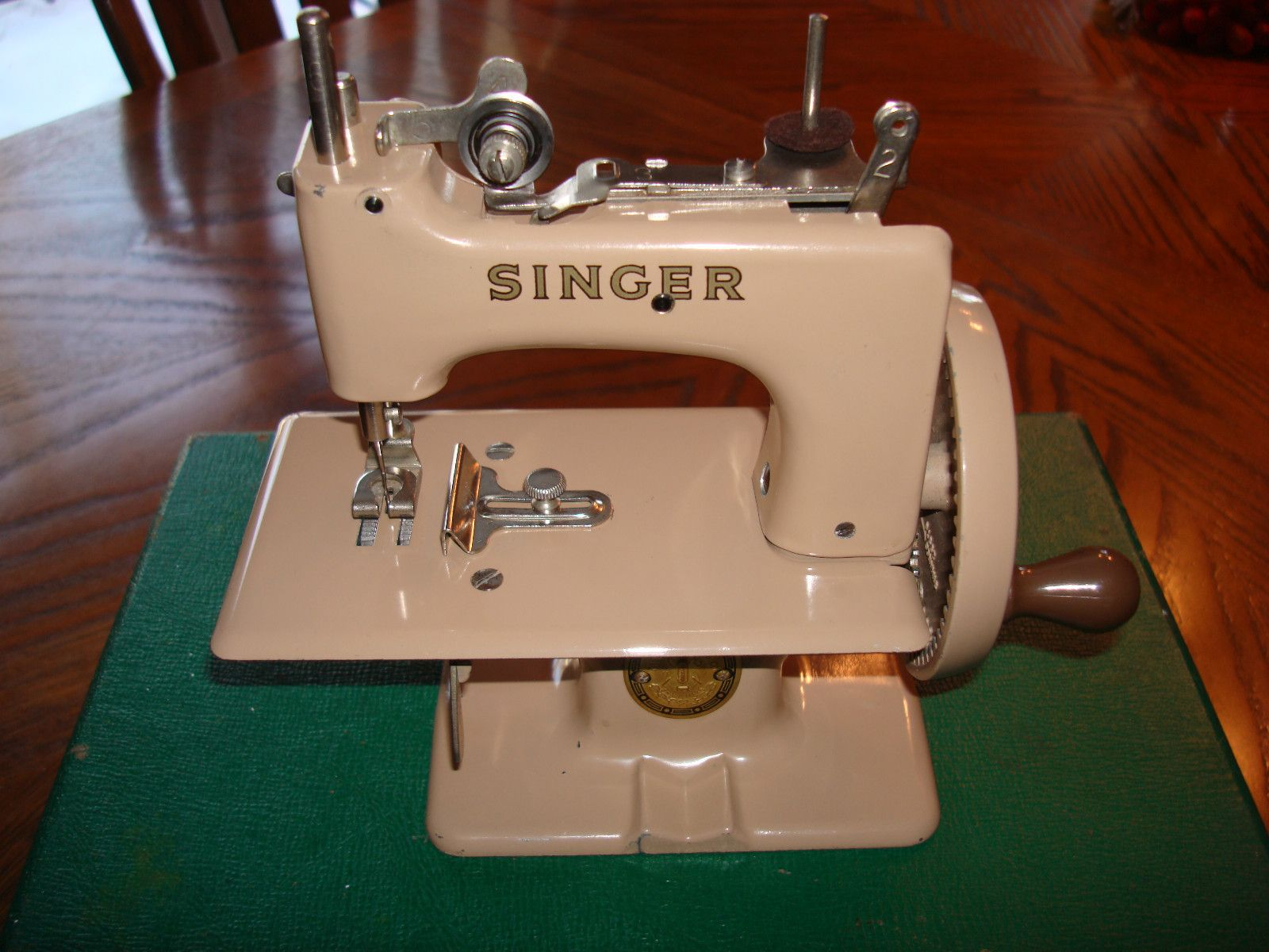 Vintage Singer Sewhandy Childs Sewing Machine Antique Toy ...