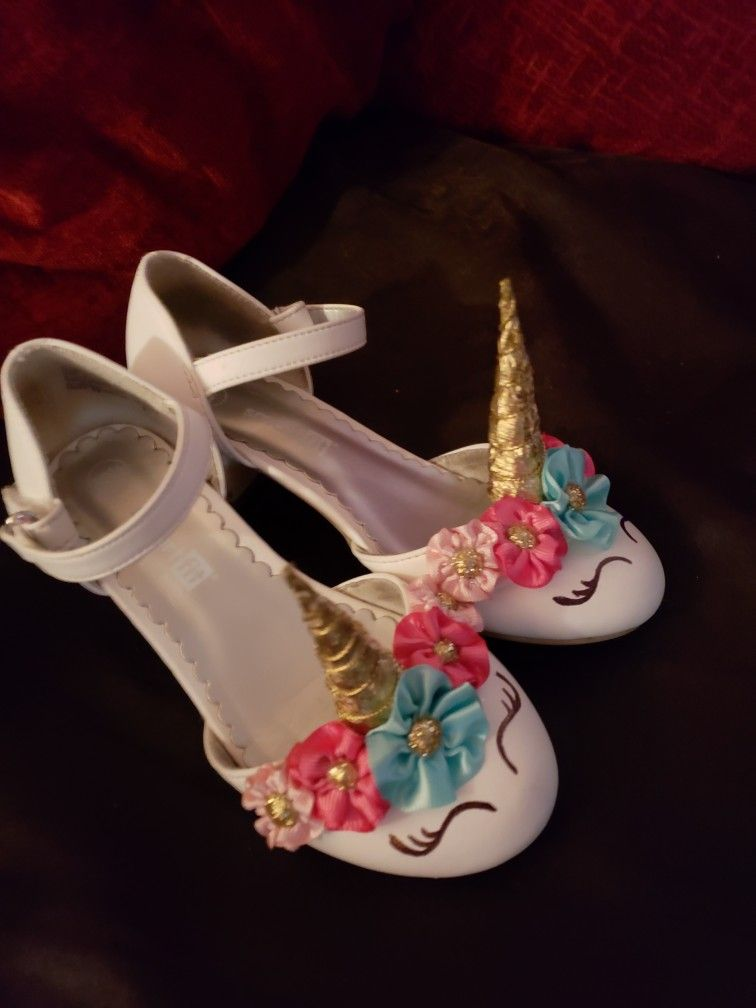 Cute unicorn shoes for the birthday