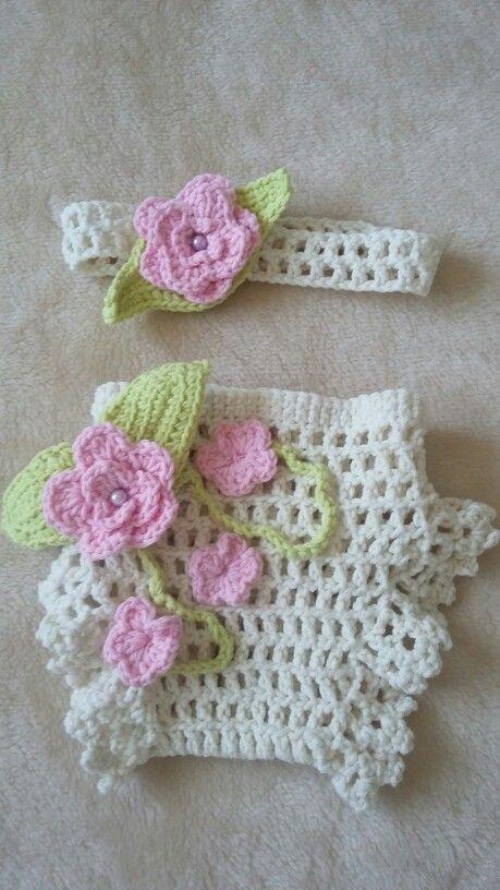 Conjuntito de bebé flores pastel 35€ consultas y más modelos en catterinnaes@gmail.com