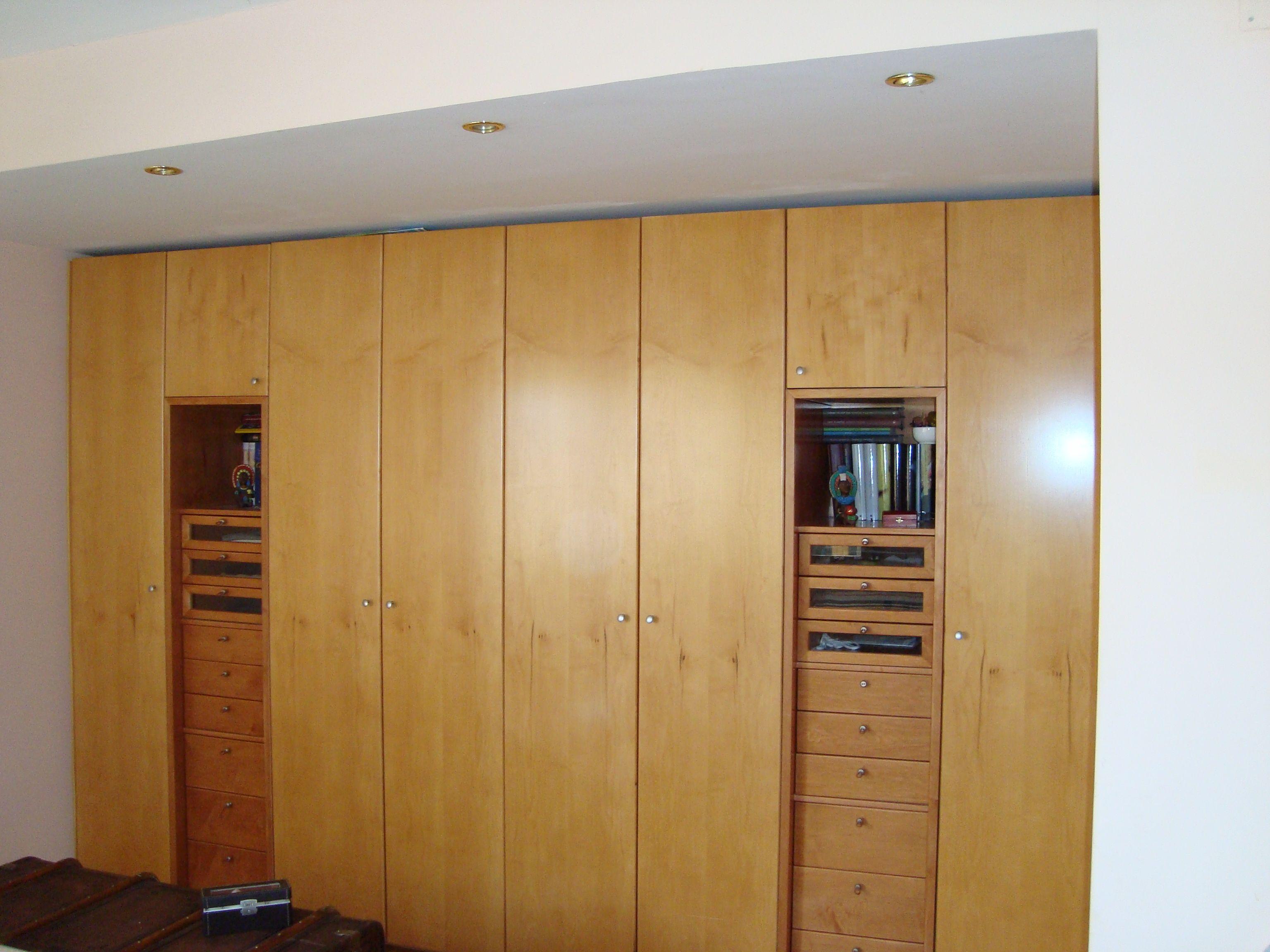 Armario Puertas Practicables En Madera De Maple Combinado A 2  ~ Armarios Sin Puertas Con Cortinas