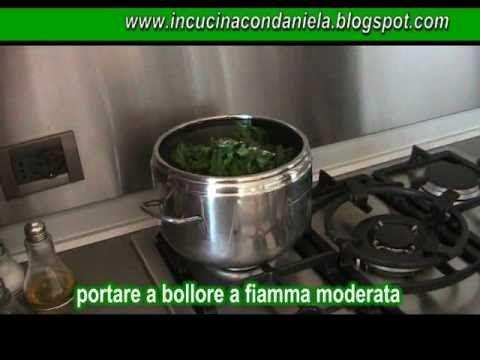 Video ricetta facile di primavera: Risotto alle ortiche - di www.incucinacondaniela.blogspot.com - YouTube