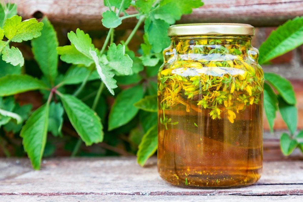 Make Herb Infused Olive Oil, 12 Best For Health And