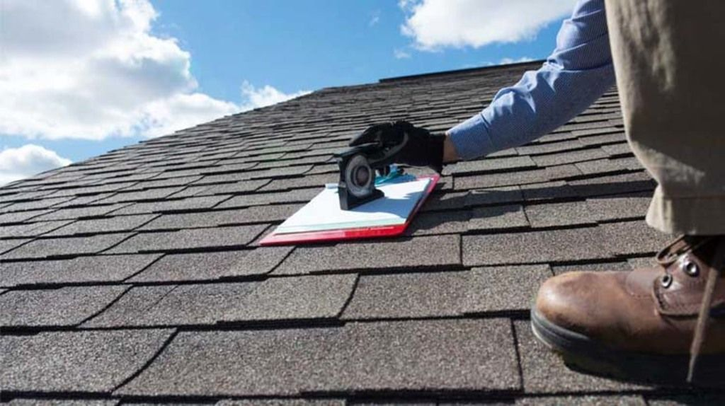 Roof Repairing Contractors Are Those Who Take Specialized Training In Roof Construction Inspection Repairing A Roofing Roof Installation Roofing Contractors