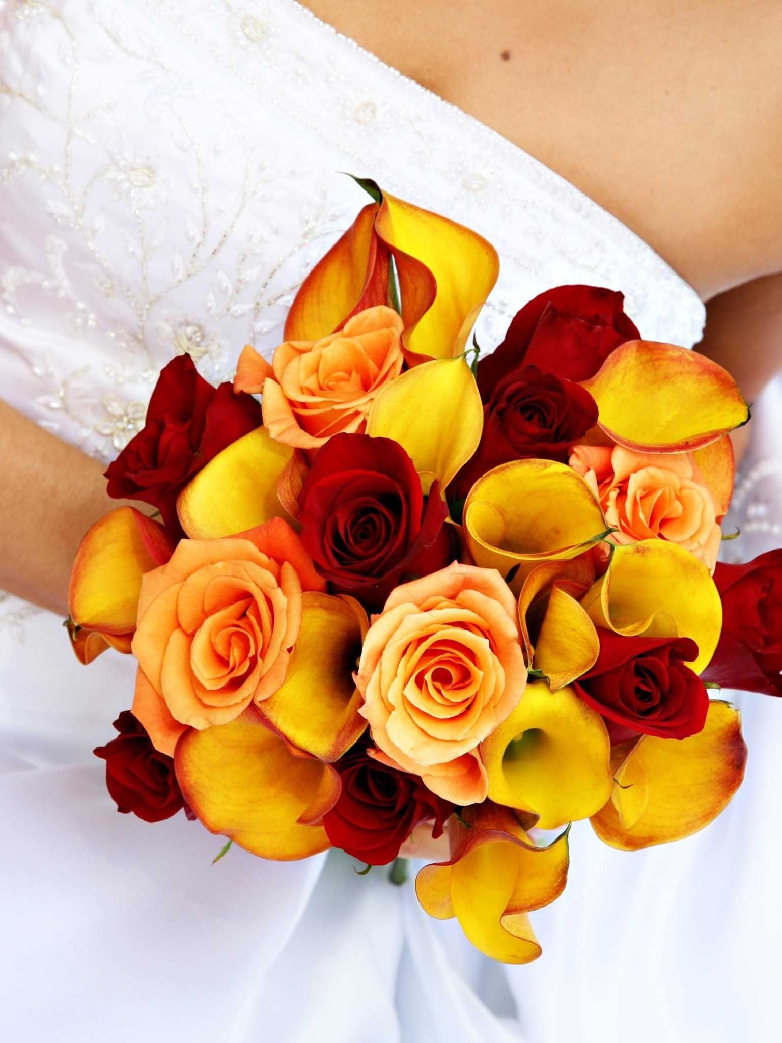 These colours together look wonderful! Bridal bouquet