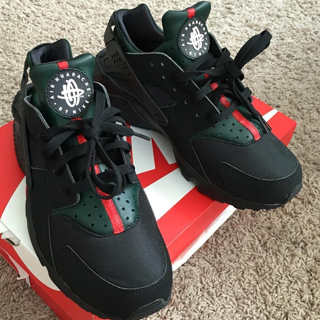 nike air huaraches gucci design black shoes sneakers. Black Bedroom Furniture Sets. Home Design Ideas