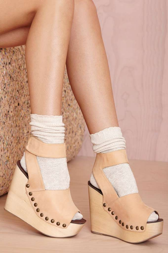 Cozy Up Socks - Beige | Shop Accessories at Nasty Gal