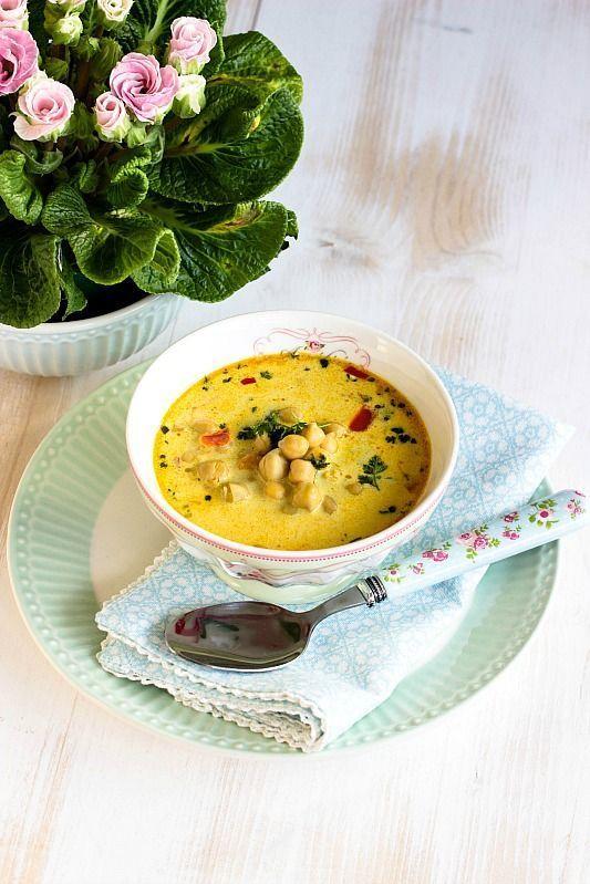 Kichererbsen Suppe mit Kokosmilch und vielen Gewürzen Schnelle,gesunde Kichererbsen Suppe mit Kokosmilch und vielen Gewürzen. Eine stärkende Suppe für das Immunsystem mit Kurkuma, Ingwer,Curry und Kreuzkümmel.Schnelle,gesunde Kichererbsen Suppe mit Kokosmilch und vielen Gewürzen. Eine stärkende Suppe für das Immunsystem mit K...