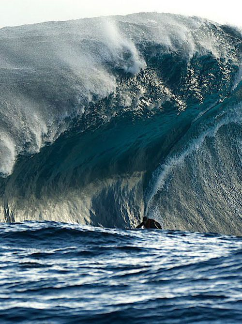 Heavy water. One of the most dangerous waves in the World ...