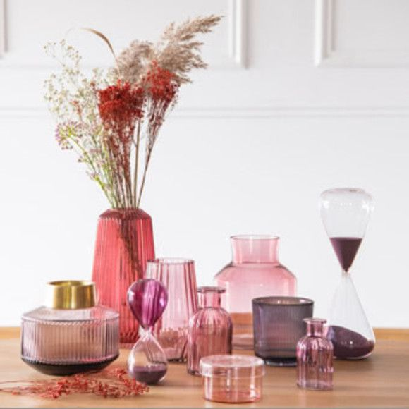Home Staging Trends: Miss Bloom Decor Trend