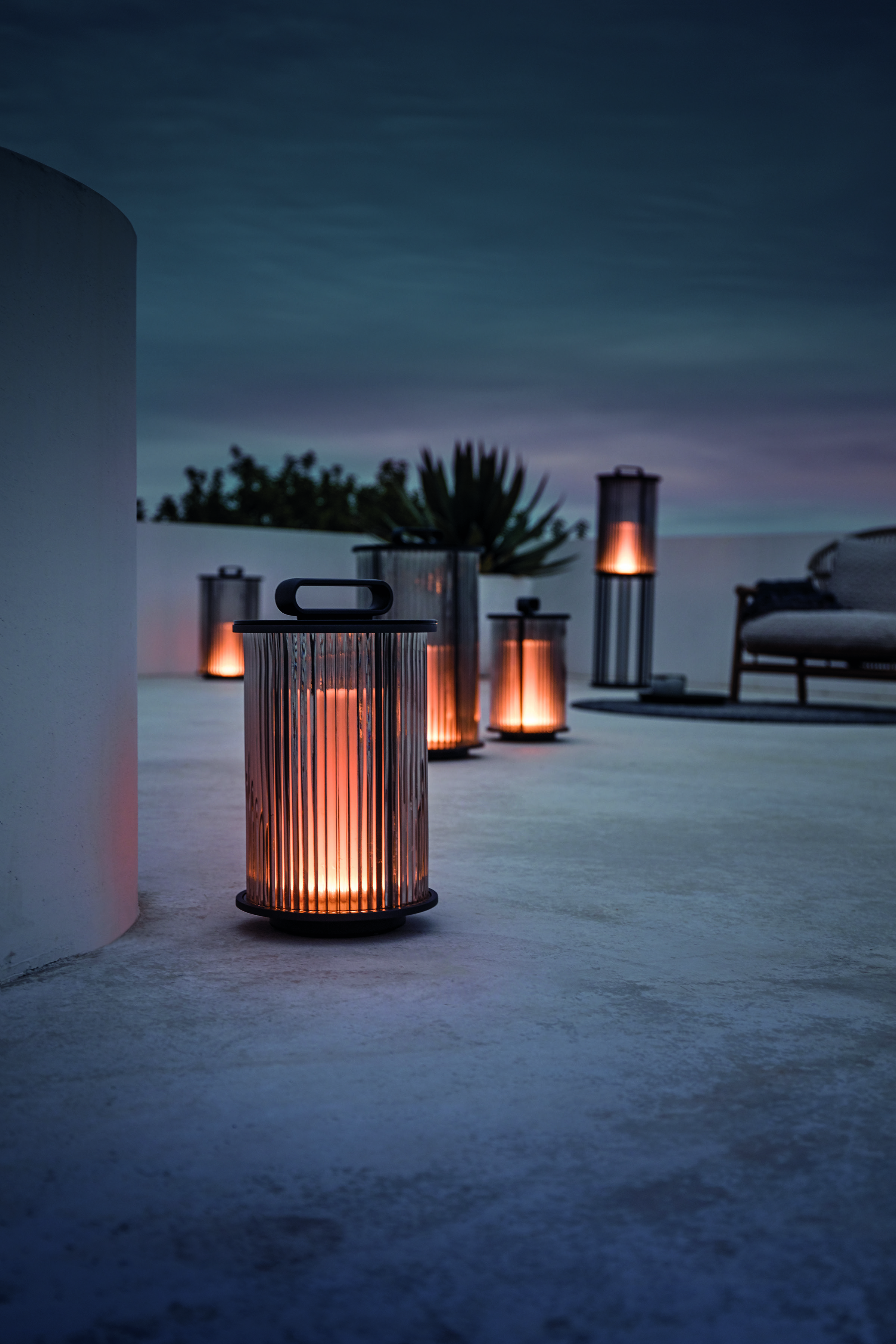 Gloster Ambient Line Lantern In 2020 Ambient Favorite Outdoor Furniture Solar Light Crafts