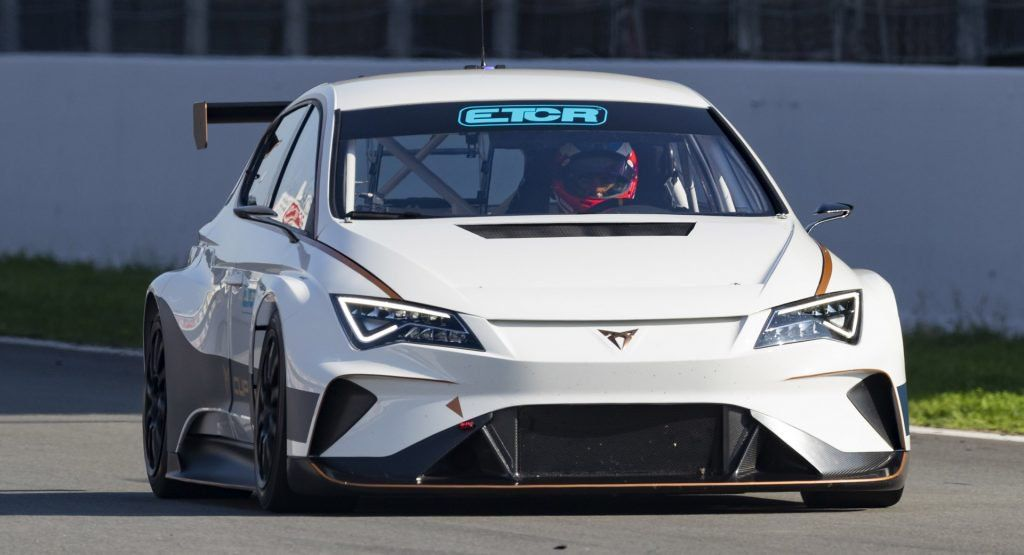 Seat S Cupra E Racer Launches A New Era Of Electric Touring Car Racing With Images Touring Car Racing Touring Race Cars