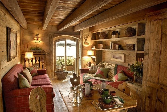 Casa in montagna elegante stile rustico cabin for Foto interni baite di montagna