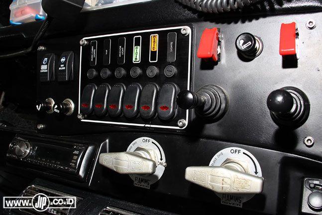 Land Rover Defender 90 Ekspedisi Terakhir - JIP : No Road No Problem