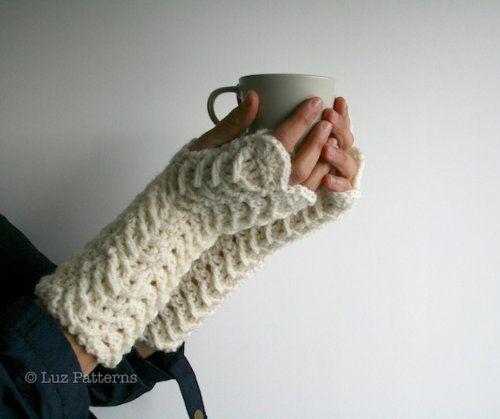 Crochet book, crochet pattern lace arm warmers, fingerless gloves crochet pattern (117) by Luz Mendoza, http://www.amazon.com/dp/B00A5Q79EY/ref=cm_sw_r_pi_dp_wTkUtb02Q36R4