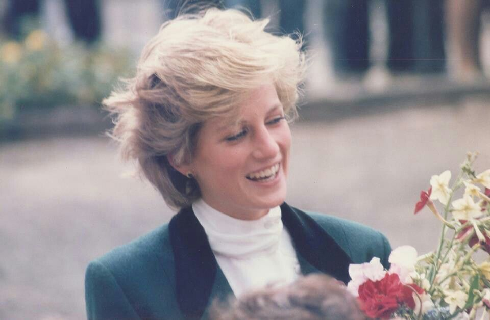 27 August 1986 visiting Roxburghe House Hospice in Dundee, Scotland