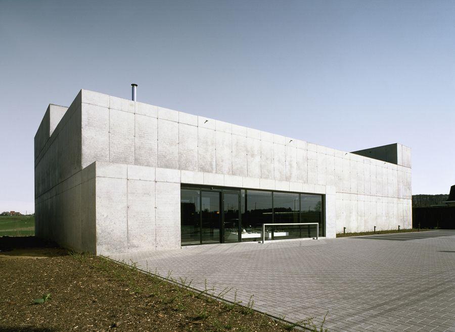 BE, Scherpenheuvel-Zichem, Schoenenhandel Pedico. META architectuurbureau, 2000.