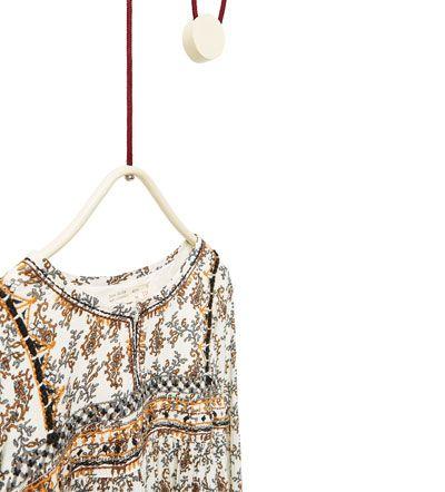 Billede 4 af Mønstret kjole med smykkepynt fra Zara