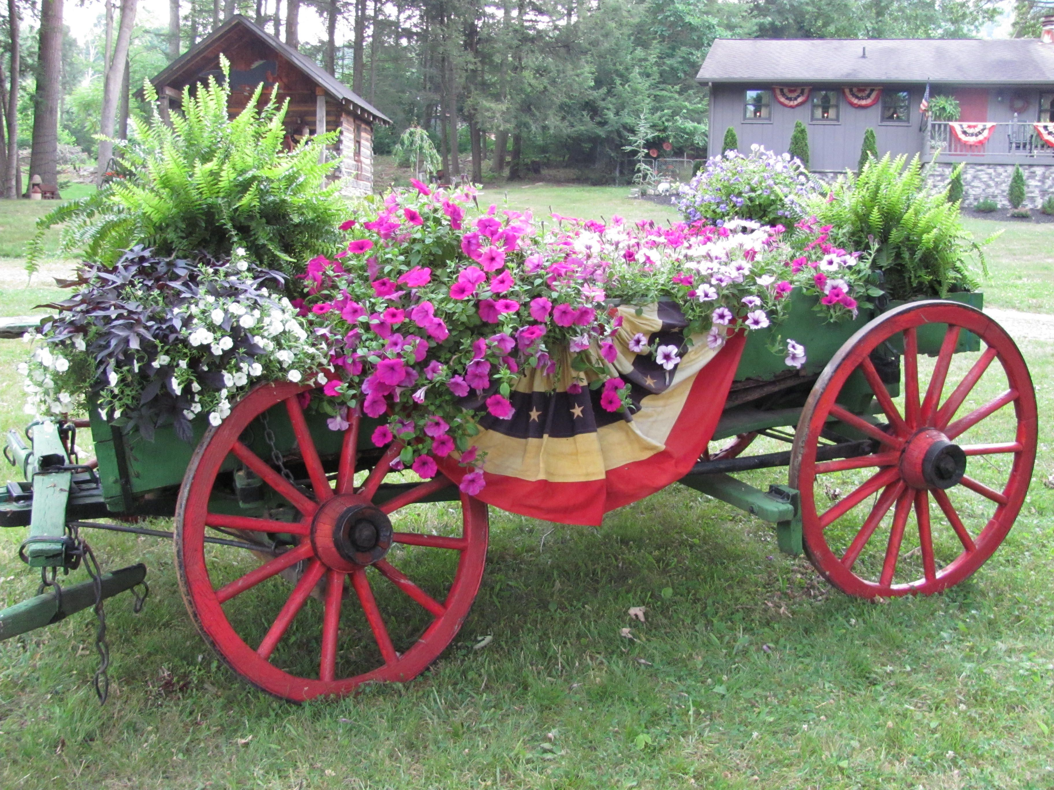 Primitive country gardens - Find This Pin And More On The Creative Country Garden