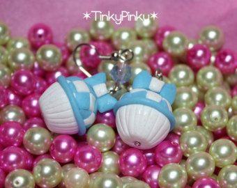 Alice in wonderland cupcake earrings