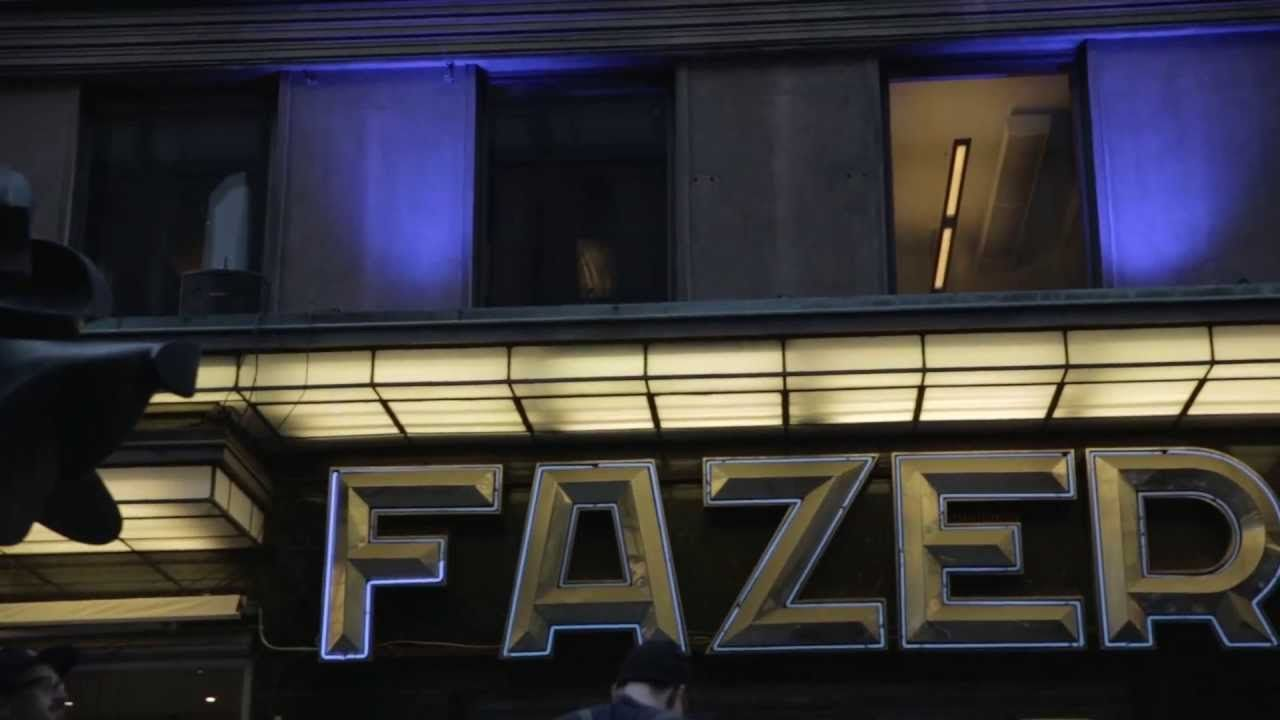 Fazer's mobile piano combined with building's lights