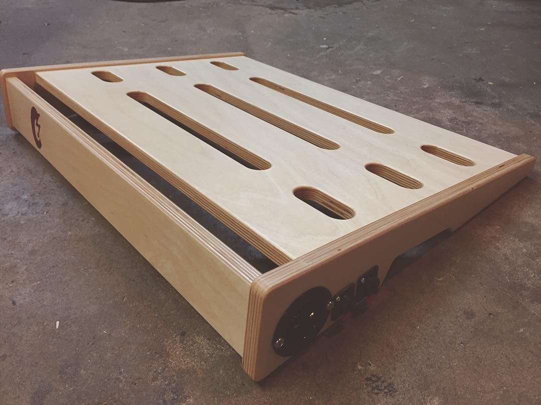 baltic birch 24x18 pedalboard by citrus electrification a power port that accepts a regular. Black Bedroom Furniture Sets. Home Design Ideas