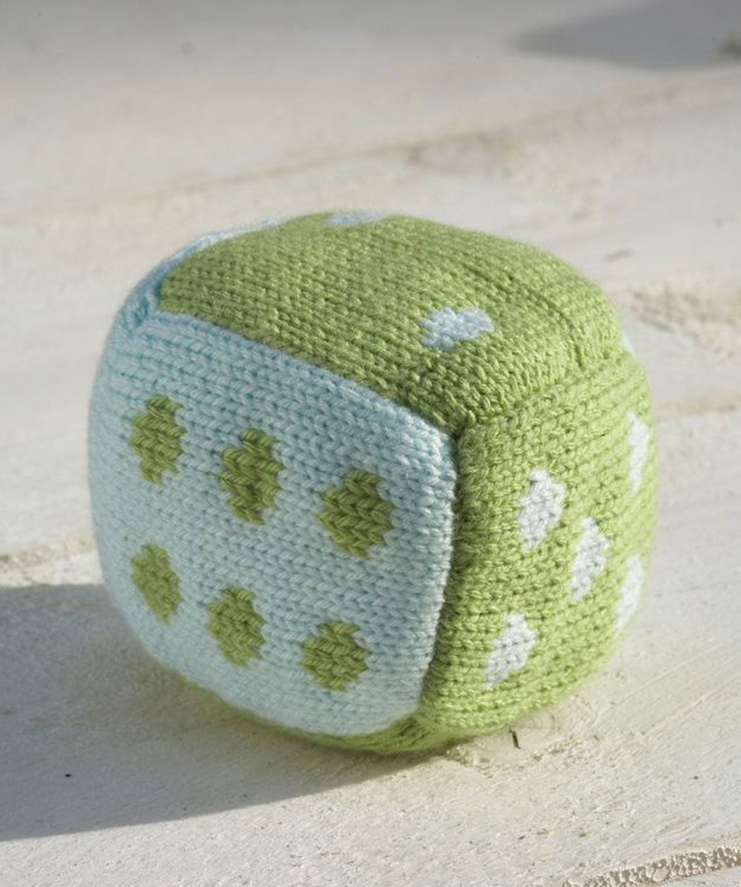 Roll the dice baby block free knitting pattern from red heart 22 roll the dice baby block free knitting pattern from red heart 22 sts 30 bankloansurffo Image collections