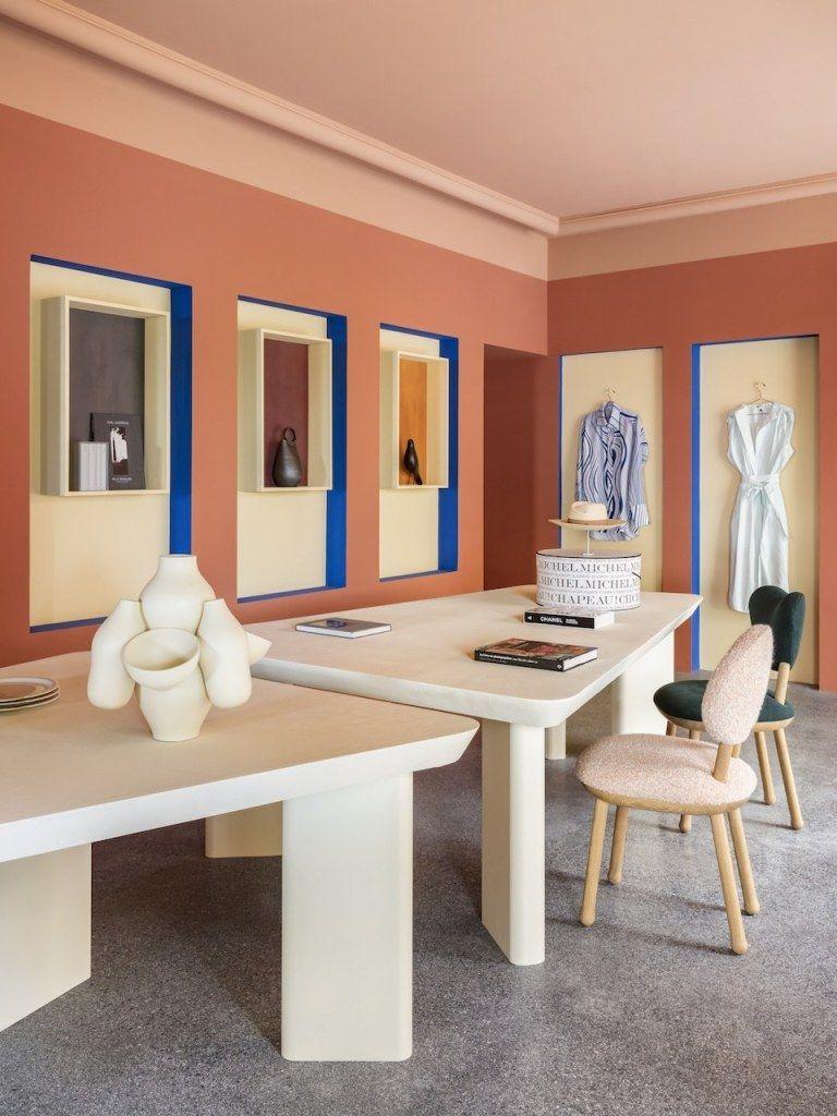 La Boutique De La Villa Noailles Par Pierre Yovanovitch Les Bons Details Mobilier Geometrique Couleur Interieure Interieur Pastel