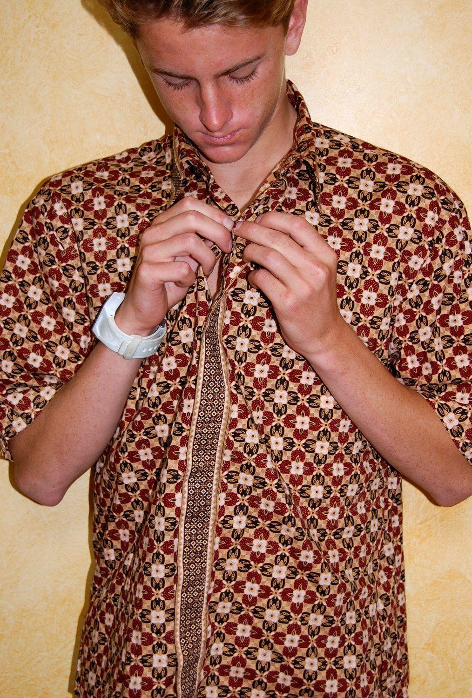 Vintage Indonesian Hippie Cool Summer Batik Mens Shirt (M) | Summer