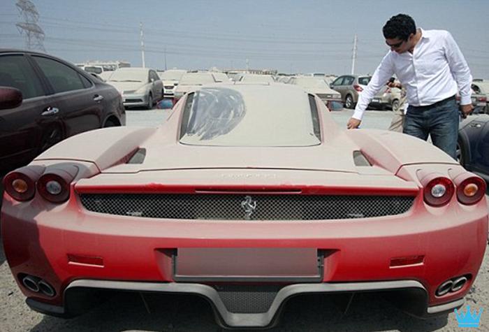 Luxury Car Graveyard In Dubai Makes Car Lovers Cry Abandoned Cars Ferrari Ferrari Enzo