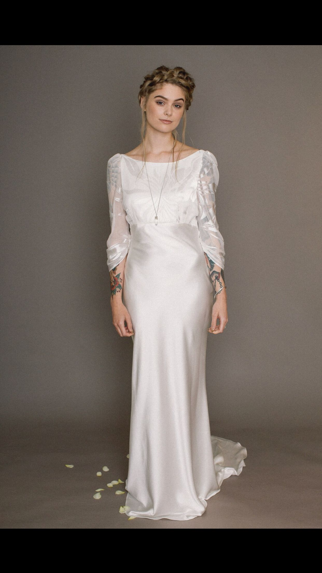 31736e6faa7e Silk wedding dress   Want in 2019   Wedding dresses, Tailored ...