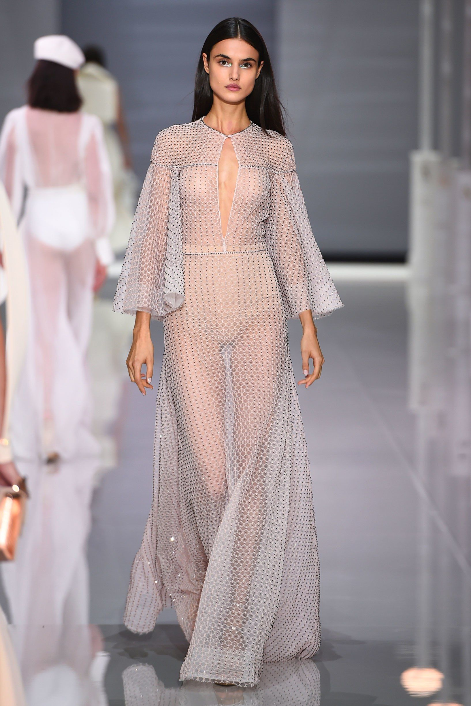 Ralph & Russo Spring 2018 Ready-to-Wear Fashion Show | Spring ...