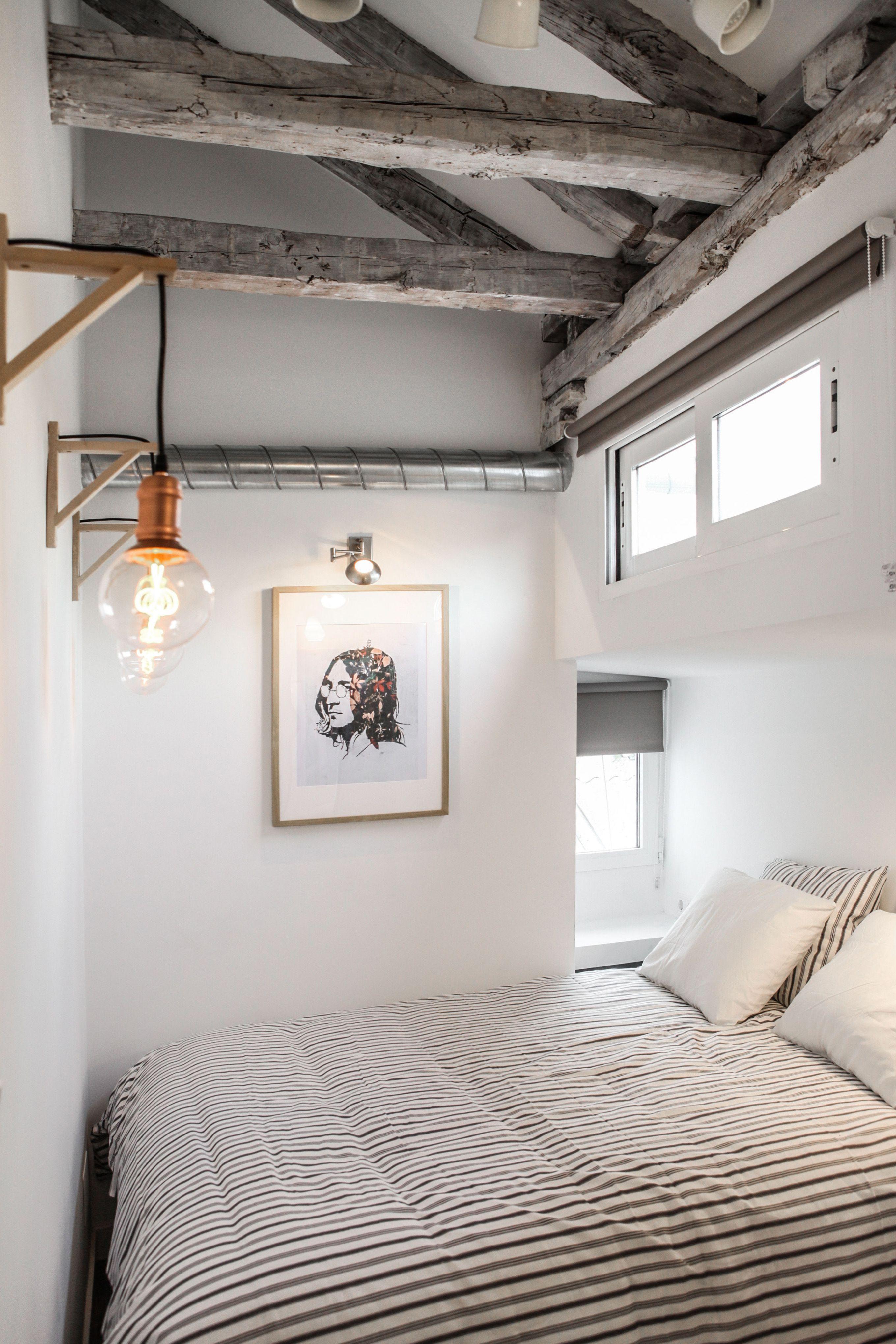 Cosy alcove bedroom