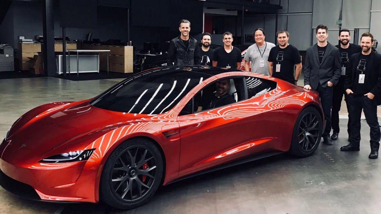 LOOK! Tesla Next Gen Roadster Is A 620 Miles Of Range