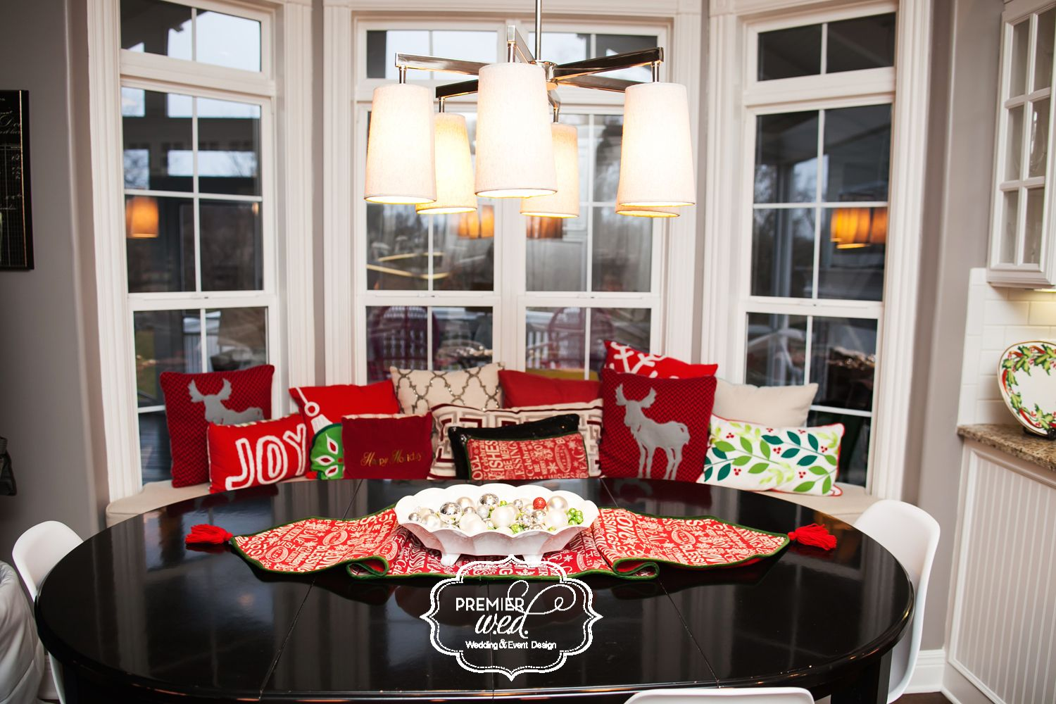Eat In Bench In Kitchen www.premierwed.com Premier W.E.D. 2014 Holiday Happy Hour!