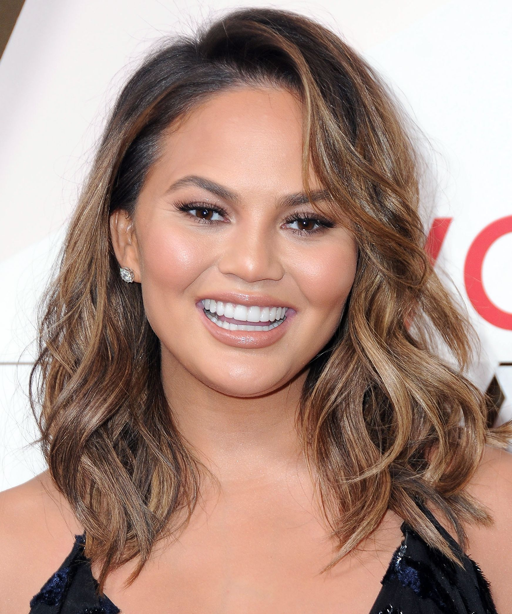 Best Balayage Hair Color On Your Favorite Celebrities Chrissy Teigen Hair Balayage Hair Chrissy Teigen Hair Color