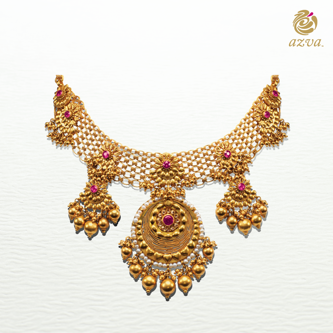 Seven Flowers With A Vibrant Shade Seven Dainty Gold Drops And All For The Seven Bridal Gold Jewellery Antique Gold Jewelry Indian Wedding Jewellery Necklace