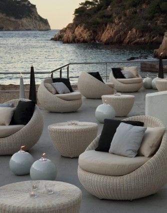 16 Exceptional Outdoor Furniture Designs Decoholic Lounge Chair Outdoor Outdoor Furniture Design Modern Outdoor Furniture