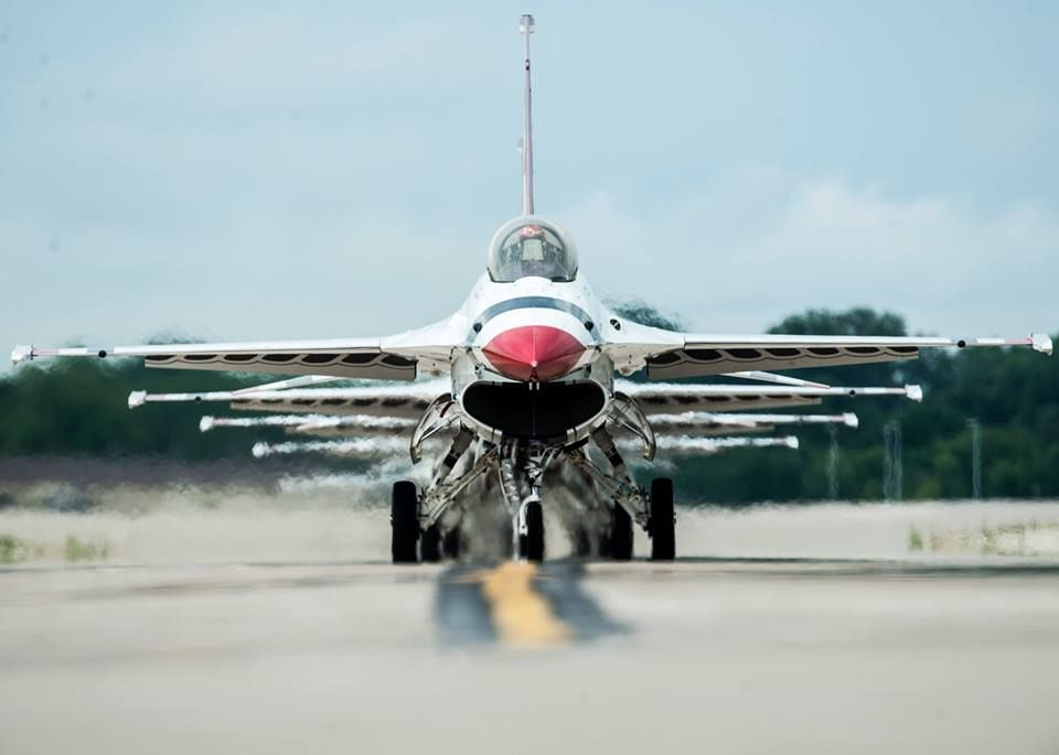 F 16 Lining Up For Takeoff Acfilters4less Com Usaf Thunderbirds
