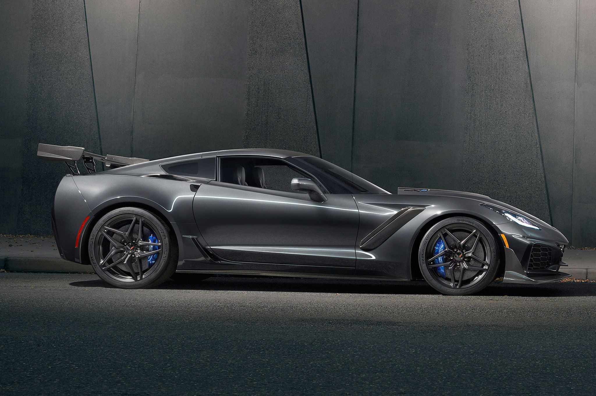2019 Chevrolet Corvette Zr1 Side View Jpg 2 048 1 360 Pixels