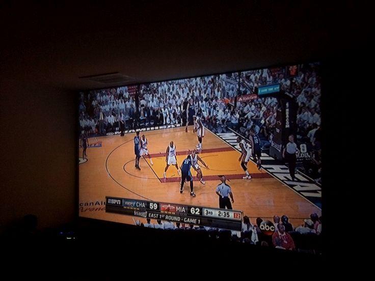 Hoe kan ik hook up surround sound op mijn projector gescheiden vader Dating Again