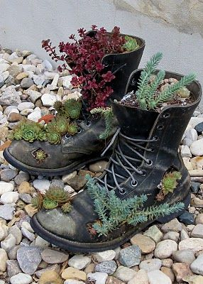 Recycled boots #gartenrecycling