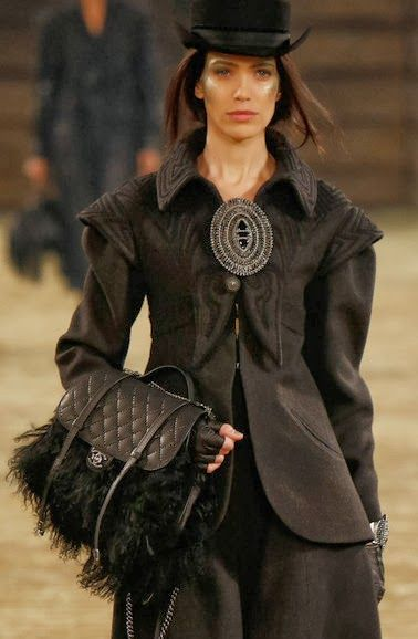Chanel Pre-Fall 2014 Fashion Show & More Luxury Details