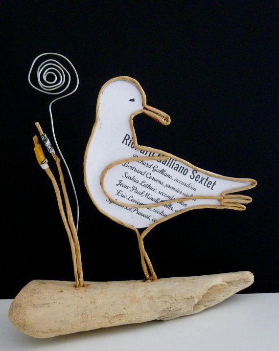 Photo of Figur i snor og papir sømmerverkstedet passion couture tråd stoff original håndlaget skulptur kraft bevæpnet drivved