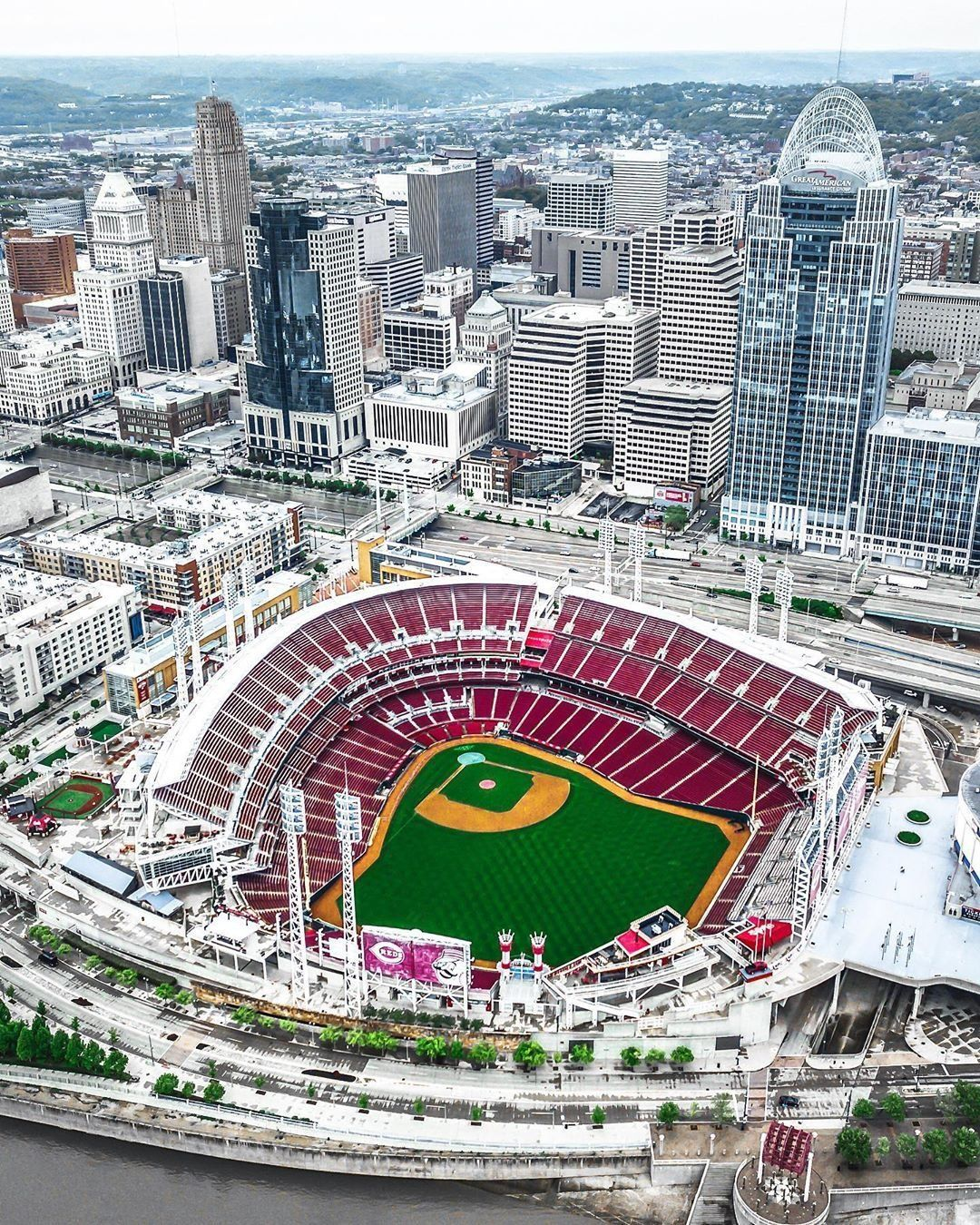Wow Amazing Shot Of Great American Ballpark Home Of The Cincinnati Reds There Are So Many Family Friendly Things To Do Cincinnati Baseball Park Mlb Stadiums