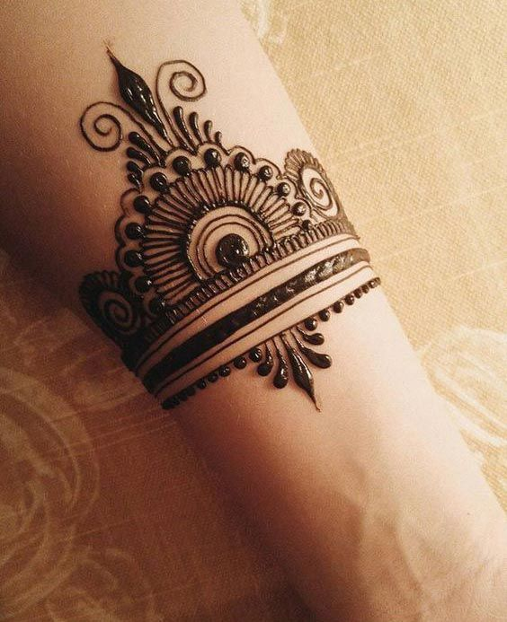 43 Henna Wrist Tattoos Design: Top 10 Henna Wrist Cuff Designs To Try