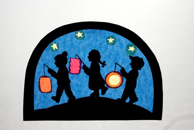 Fensterschmuck fensterbild laternenkinder transparentbild ein designerst ck von juliane - Fensterschmuck weihnachten basteln ...