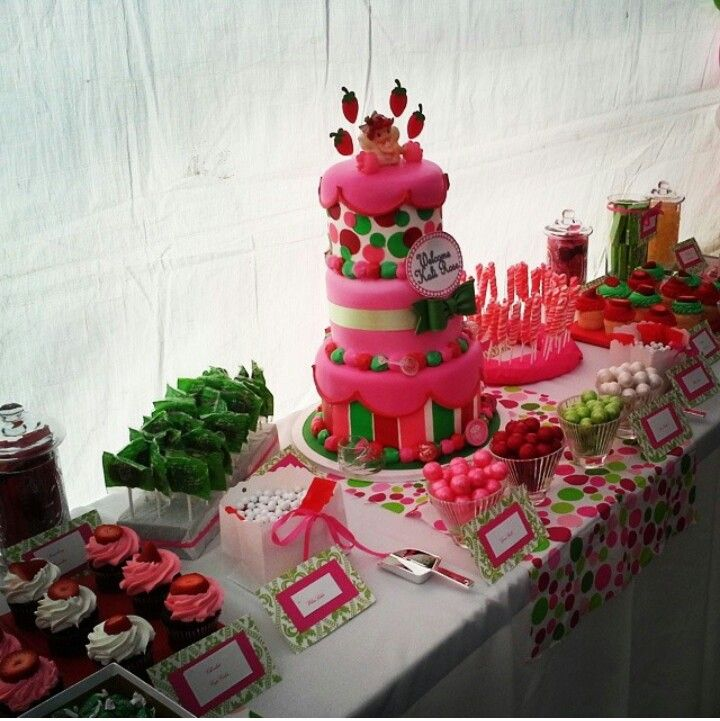 #Candybar #candystation #candybuffet #candydisplay #candy #cake #babyshower #strawberryshortcake #pink #red #white #green